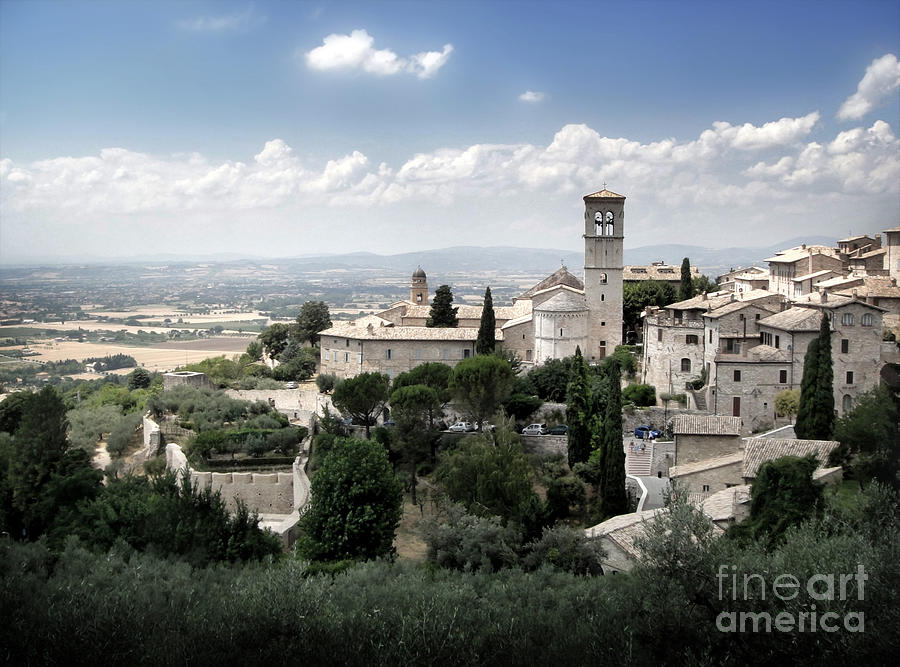 Assisi Italy Photograph - Assisi Italy - Bella Vista - 01 by Gregory Dyer