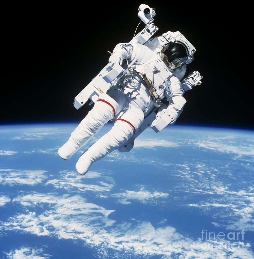 astronauts in space shuttle floating - photo #27