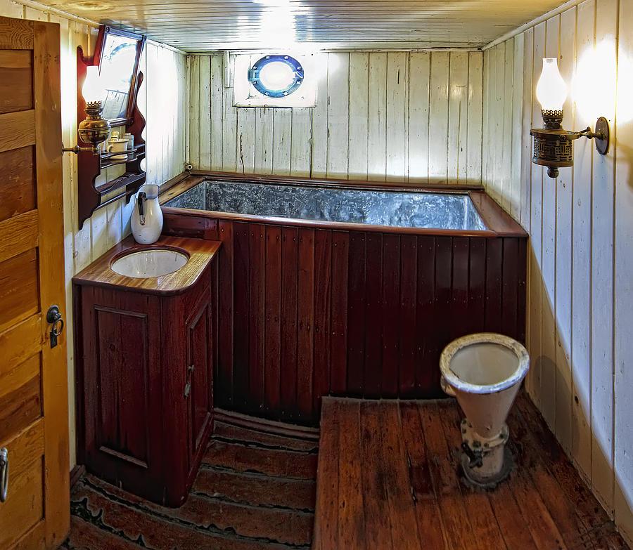 Bathtub Photograph - Balclutha Victorian Ships Head by Daniel Hagerman