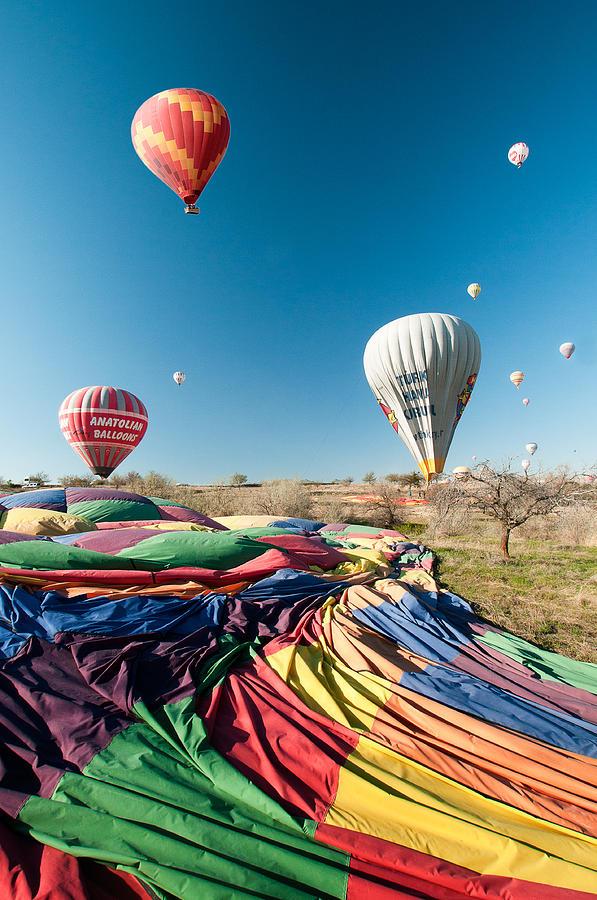 Ballons Photograph - Ballons - 5 by Okan YILMAZ
