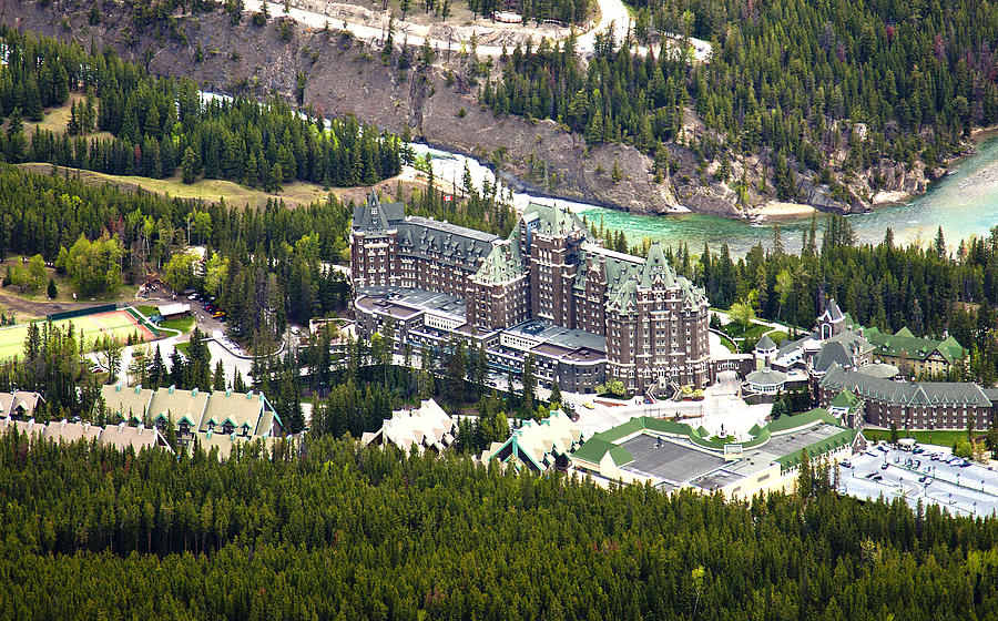 Canadian Rockies Photograph - Banff Hotel 1575 by Larry Roberson