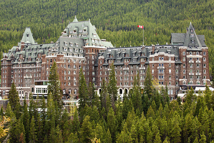 Canadian Rockies Photograph - Banff Hotel 1684 by Larry Roberson