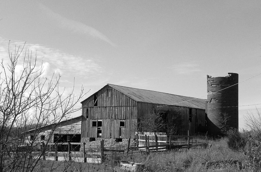 Black And White Photograph - Barn In Black And White by Brittany Roth