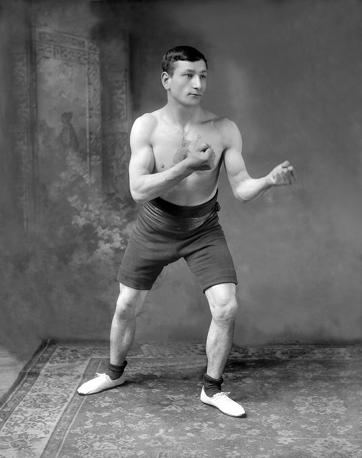 Mid Adult Photograph - Battling Taylor by Reinhold Thiele