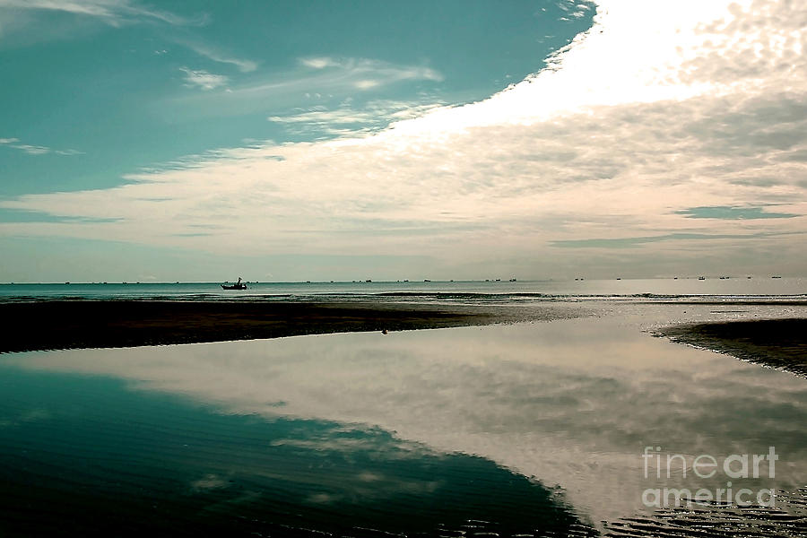 Beach Photograph - Beach Reflection by Dania Photo