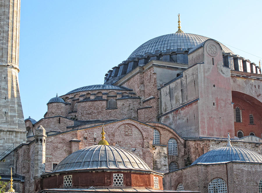 Blue Mosque Photograph - Behind The Blue Mosque by Linda Pulvermacher