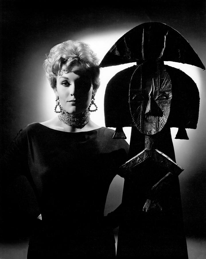 1950s Portraits Photograph - Bell, Book And Candle, Kim Novak, 1958 by Everett