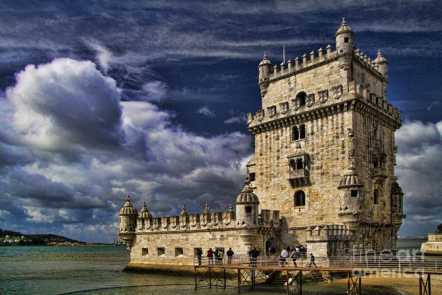 Lisbon Photograph - Belum Tower In Lisbon Portugal by David Smith
