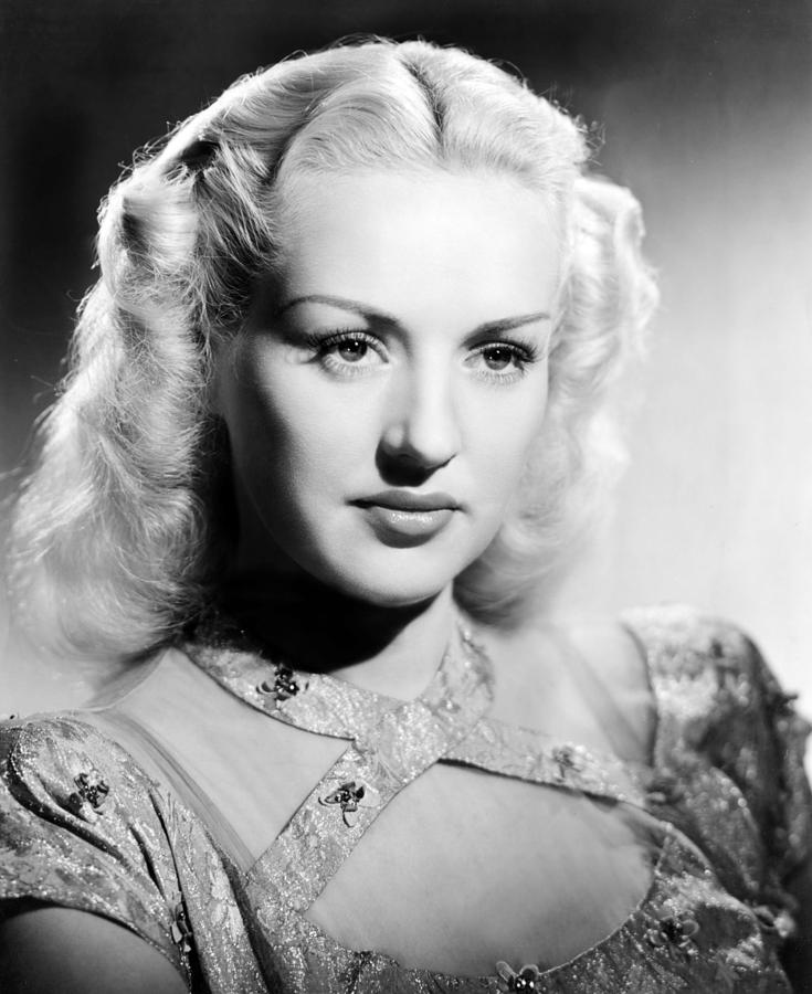 Grable Photograph - Betty Grable, 1947 by Everett