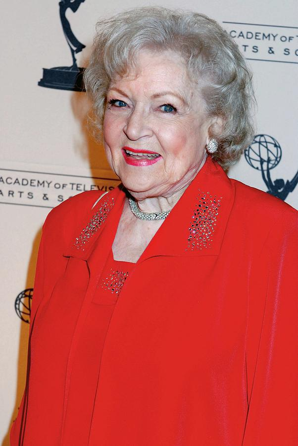 Betty White Photograph - Betty White At Arrivals For The Academy by Everett