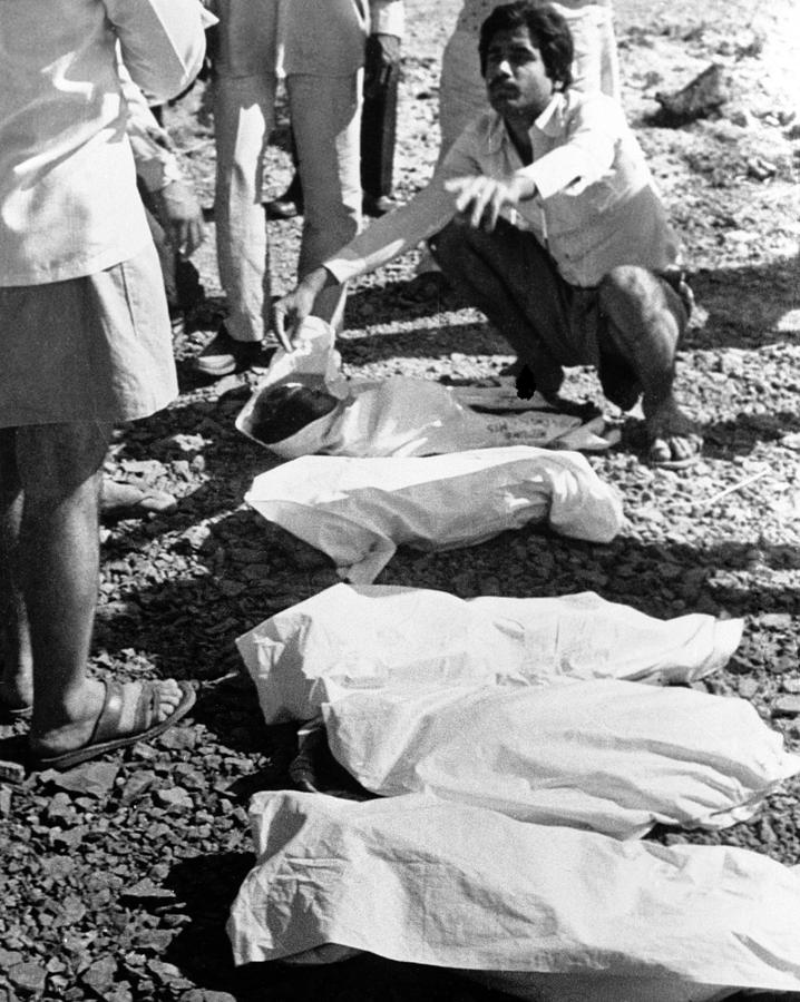 Bhopal Disaster Photograph - Bhopal Disaster Victims, India, 1984 by Ria Novosti