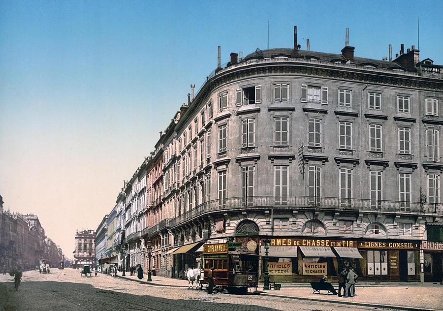 palace Richelieu  Photograph - Bordeaux - France - Rue Chapeau Rouge From The Palace Richelieu by International  Images