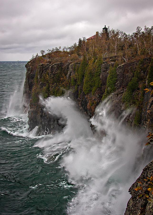 Lake Superior Photograph - Breakers At Split Rock by David Wynia