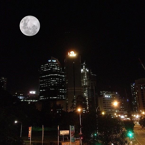 Brisbane Photograph - Brisbane Moon by Cameron Bentley