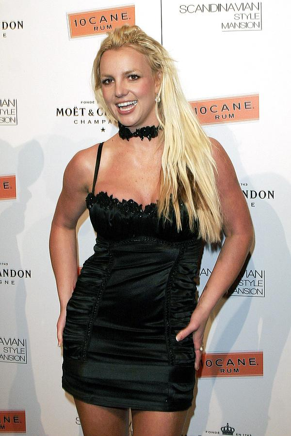 Scandinavian Style Mansion Photograph - Britney Spears At Arrivals by Everett