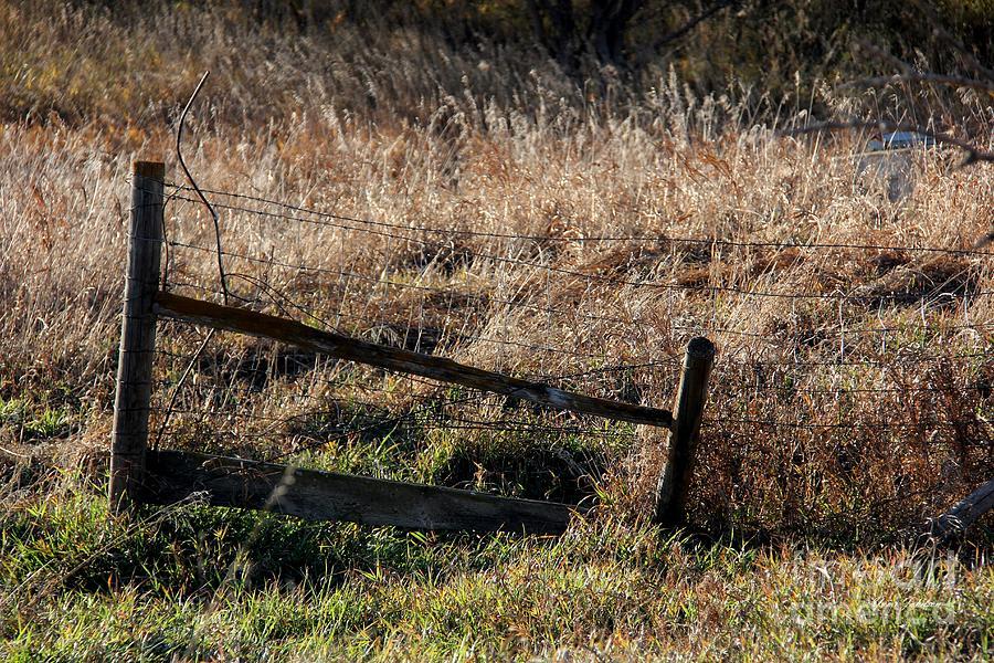 broken fence warning announcement - photo #1