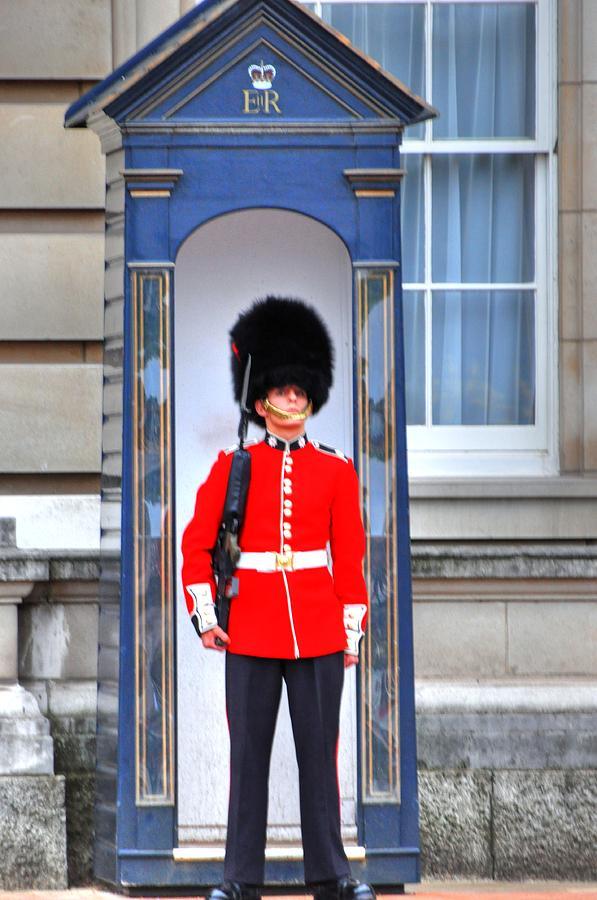 London England  Digital Art - Buckingham Palace by Barry R Jones Jr