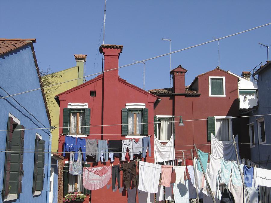 Linge Sechant Photograph - Burano. Venice by Bernard Jaubert