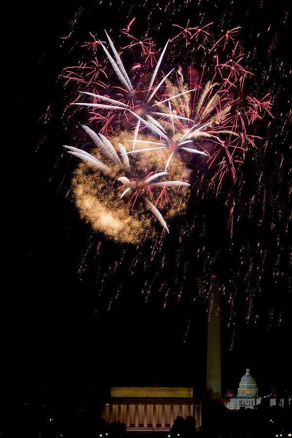 4th Of July Photograph - Bursts Over Washington by David Hahn