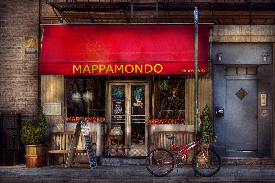Bike Photograph - Cafe - Ny - Chelsea - Mappamondo  by Mike Savad