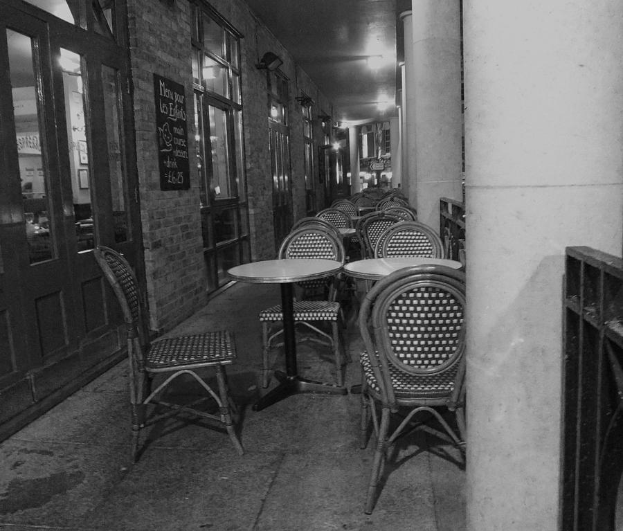 Cafe Photograph - Cafe Rouge by Anna Villarreal Garbis