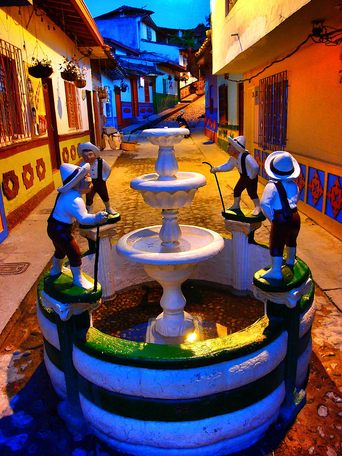 Guatape Photograph - Calle Del Recuerdo by Skip Hunt