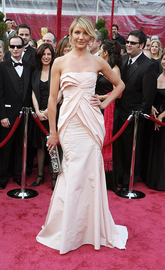 Academy Awards Photograph - Cameron Diaz Wearing A Christian Dior by Everett