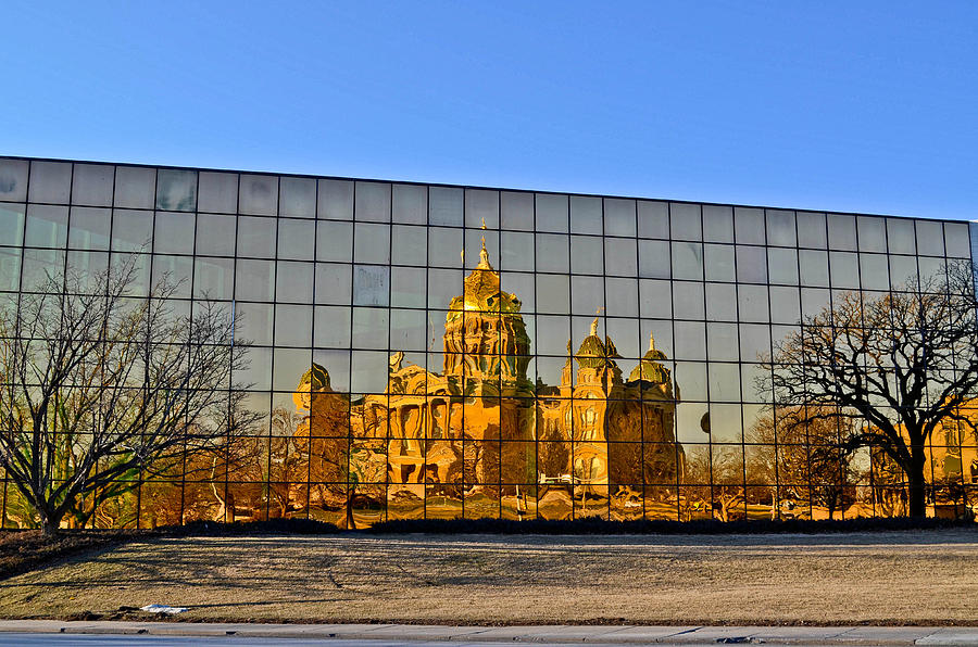 Des Moines Photograph - Capital Reflections by Brenda Becker