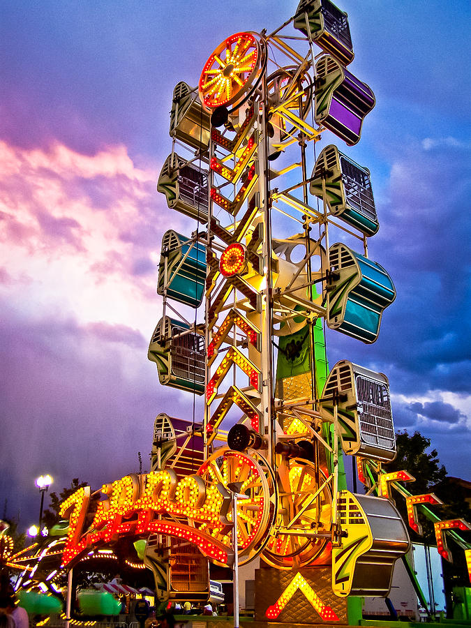 Color Photograph - Carnival Fun by Catherine Utschig