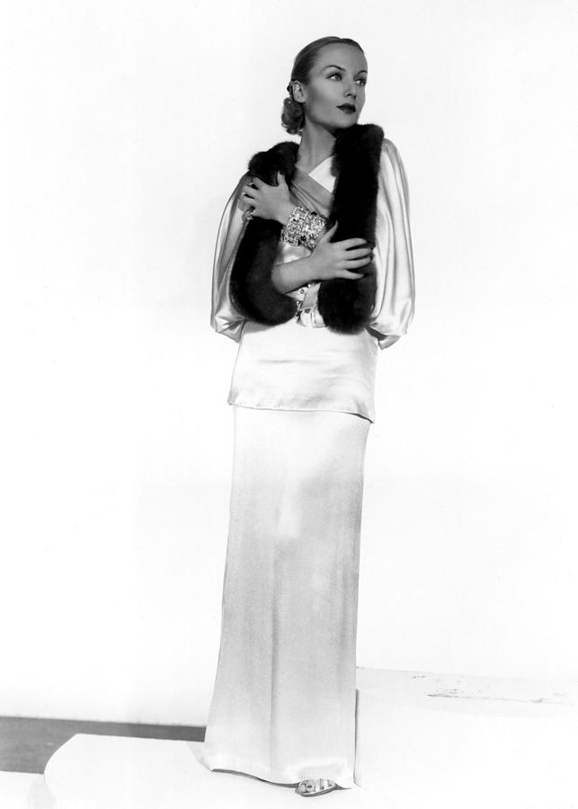 Actress Photograph - Carole Lombard, Portrait by Everett