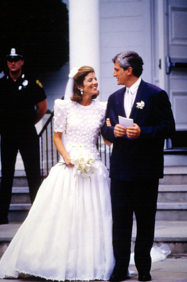 Großzügig Caroline Kennedy Wedding Dress Fotos - Brautkleider Ideen ...