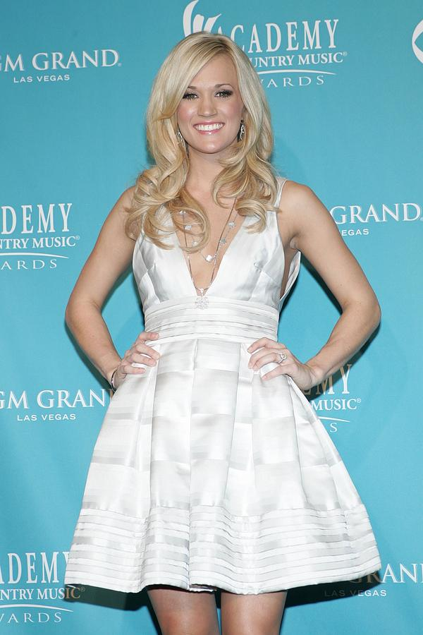 Carrie Underwood Photograph - Carrie Underwood Wearing A Rafael by Everett