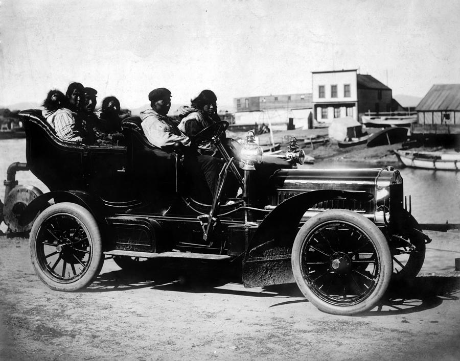 1900s Photograph - Cars. Eskimos, Five Adults And One by Everett