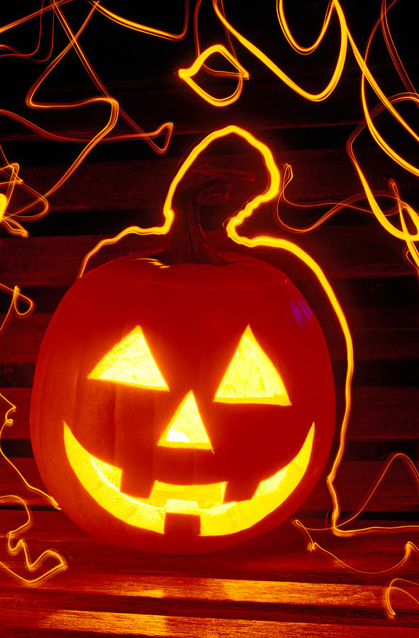 Pumpkin Photograph - Carved Pumpkin Smiling by Garry Gay