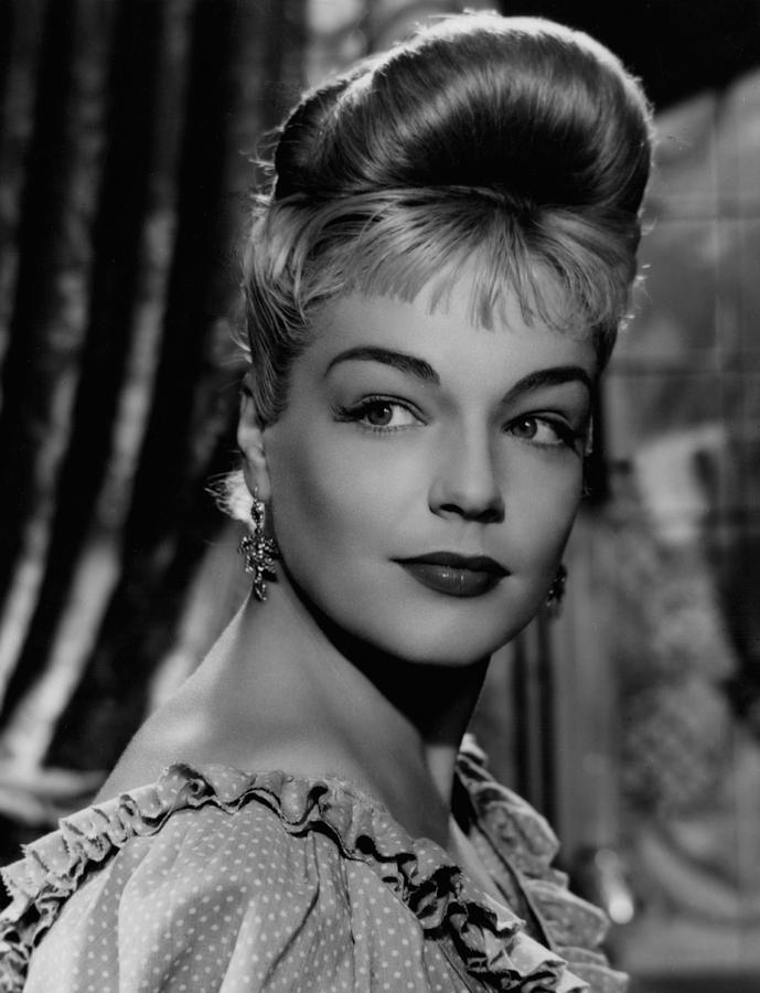 Movies Photograph - Casque Dor, Simone Signoret, 1952 by Everett