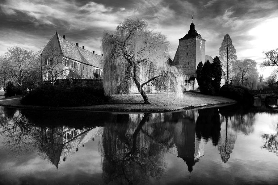 Black Photograph - Castle Burgsteinfurt by Thomas Splietker