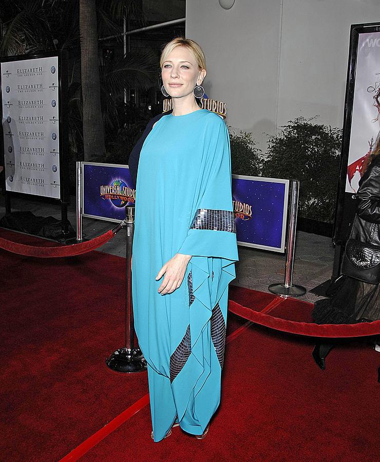 Elizabeth The Golden Age Premiere Photograph - Cate Blanchett Wearing Missoni by Everett