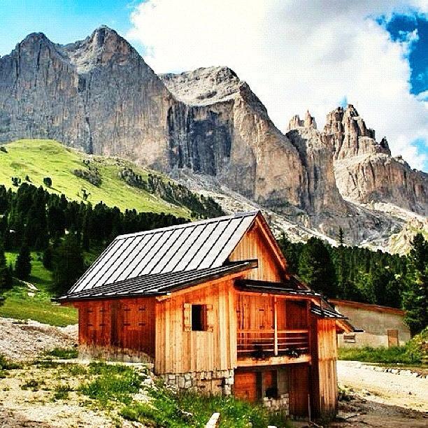 Mountain Photograph - Catinaccio - Dolomiti. Rosengarten - by Luisa Azzolini