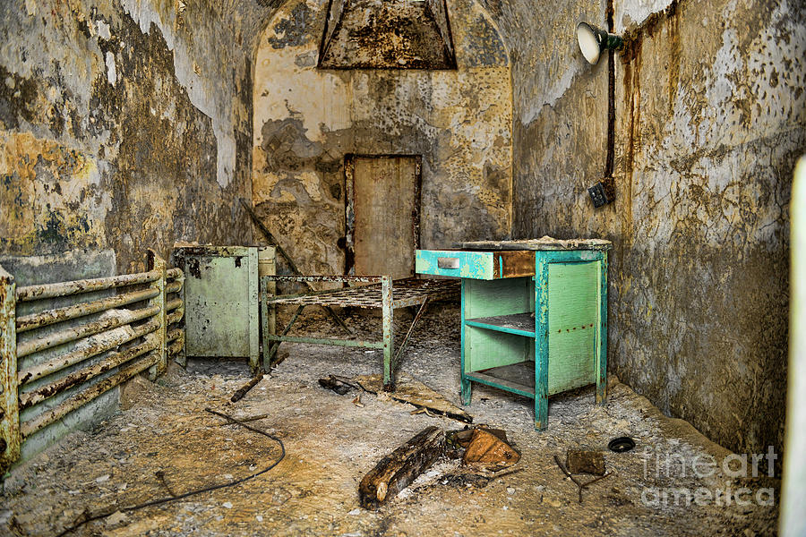 Eastern State Penitentiary Photograph - Cell Block 5 by Paul Ward