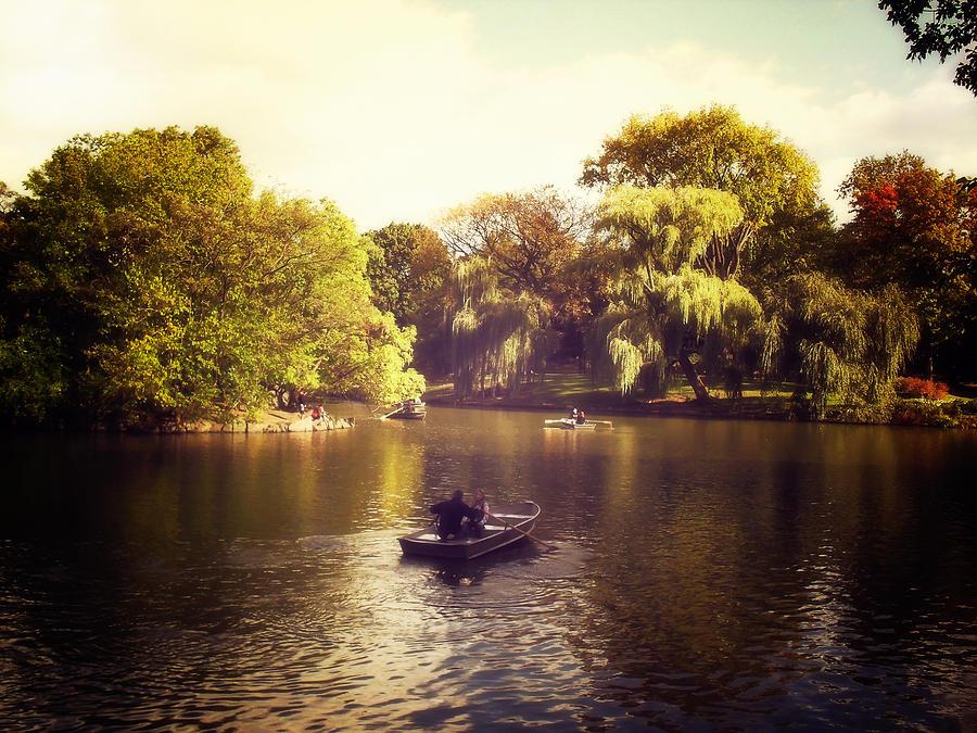 Central Park Photograph - Central Park Romance - New York City by Vivienne Gucwa