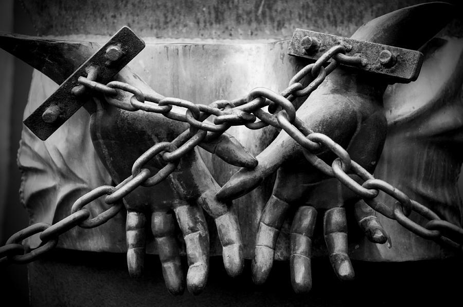 Chains Photograph - Chains by Fabrizio Troiani