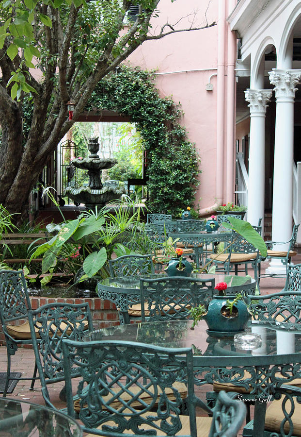 Courtyard Photograph - Charleston Dining by Suzanne Gaff
