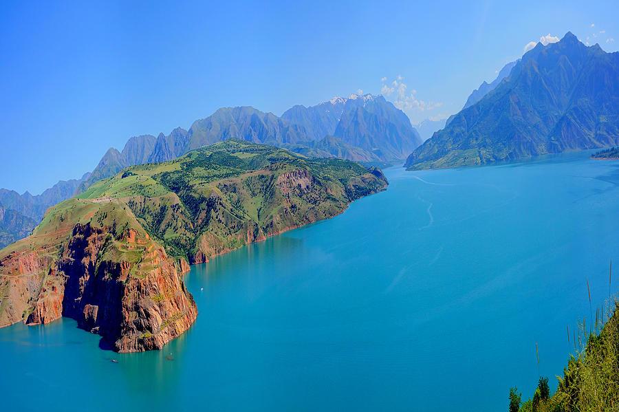 Mountains Lake Photograph - Charvak by Egeniy Olevskiy