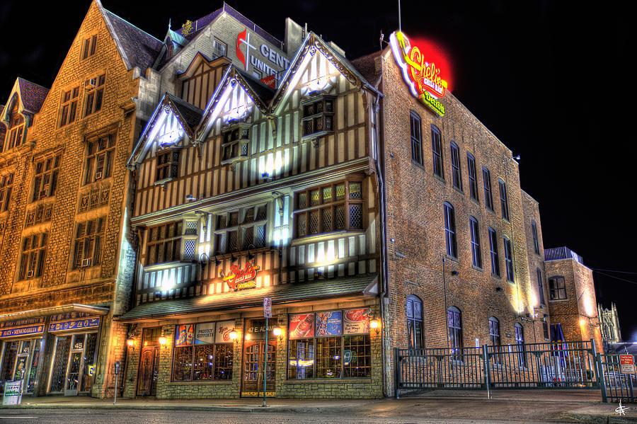 Spirit Of Detroit Photograph - Chelis Chili Bar Detroit by Nicholas  Grunas