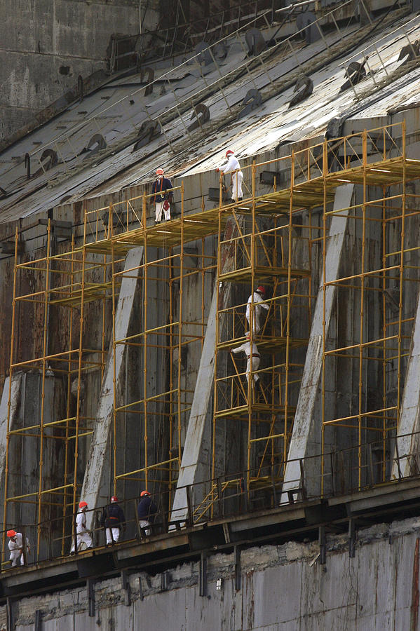 Scaffolding Photograph - Chernobyl Sarcophagus Repairs, 2006 by Ria Novosti