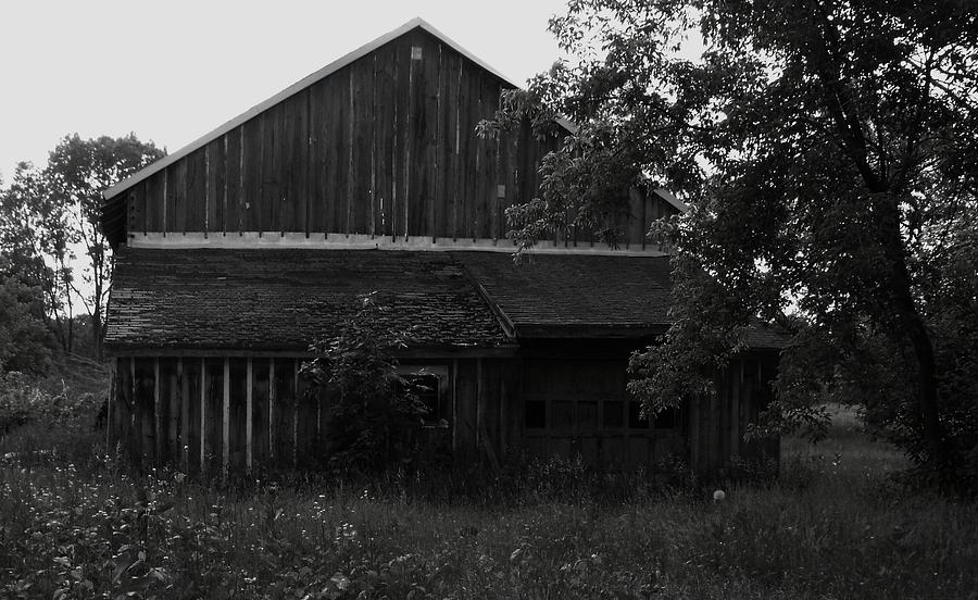 Wisconsin Photograph - Chets Barn by Anna Villarreal Garbis
