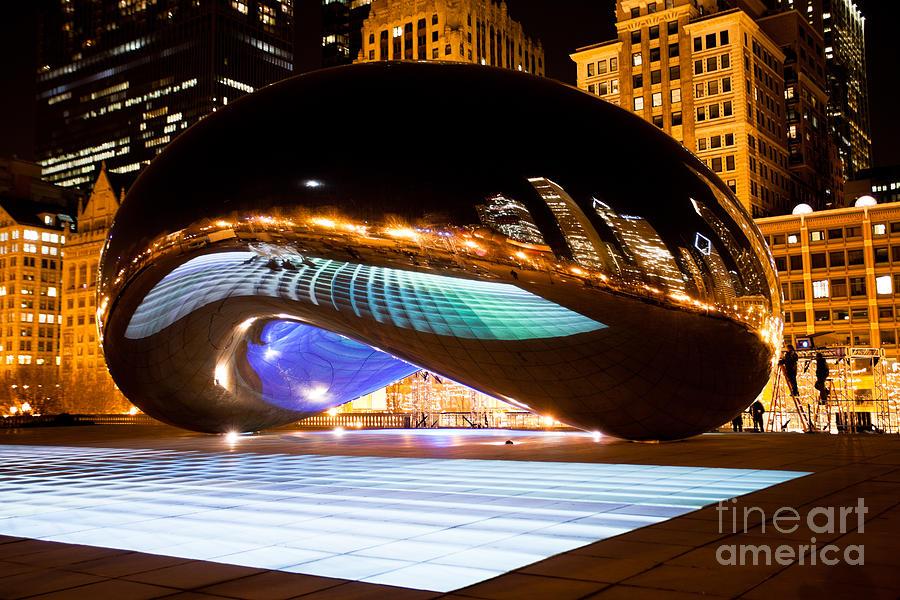 2012 Photograph - Chicago Cloud Gate Luminous Field by Paul Velgos