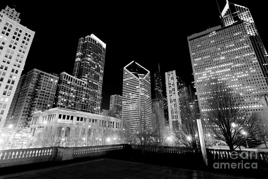 America Photograph - Chicago Downtown At Night  by Paul Velgos
