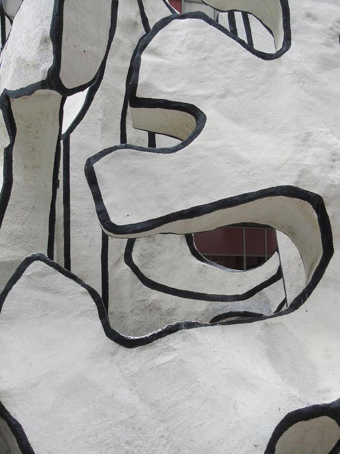 Dubuffet Sculpture Photograph - Chicago Dubuffet-1 by Todd Sherlock