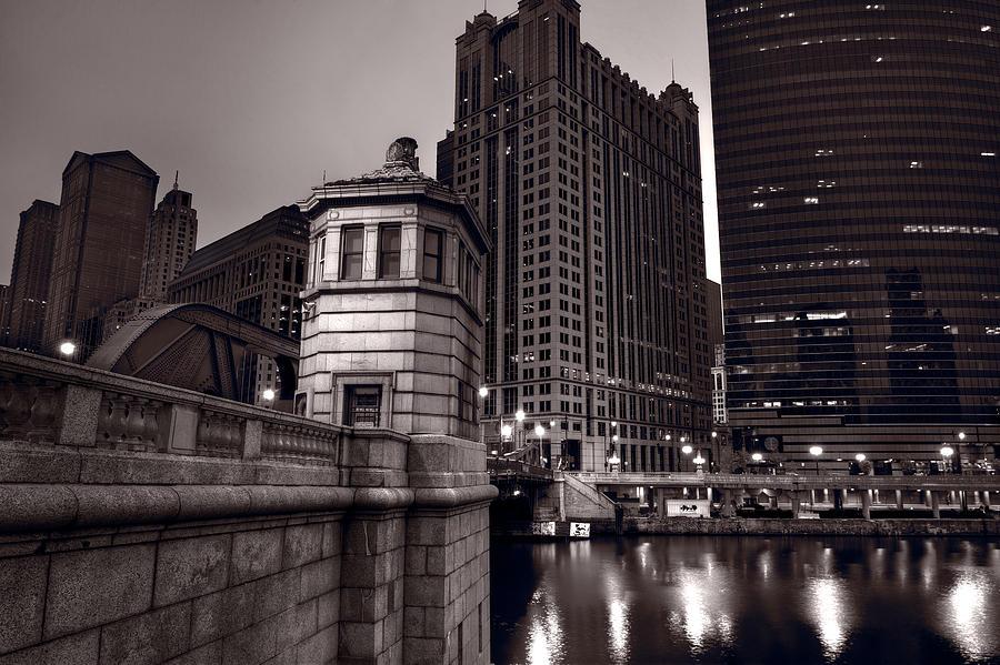 Chicago Photograph - Chicago River Bridgehouse by Steve Gadomski